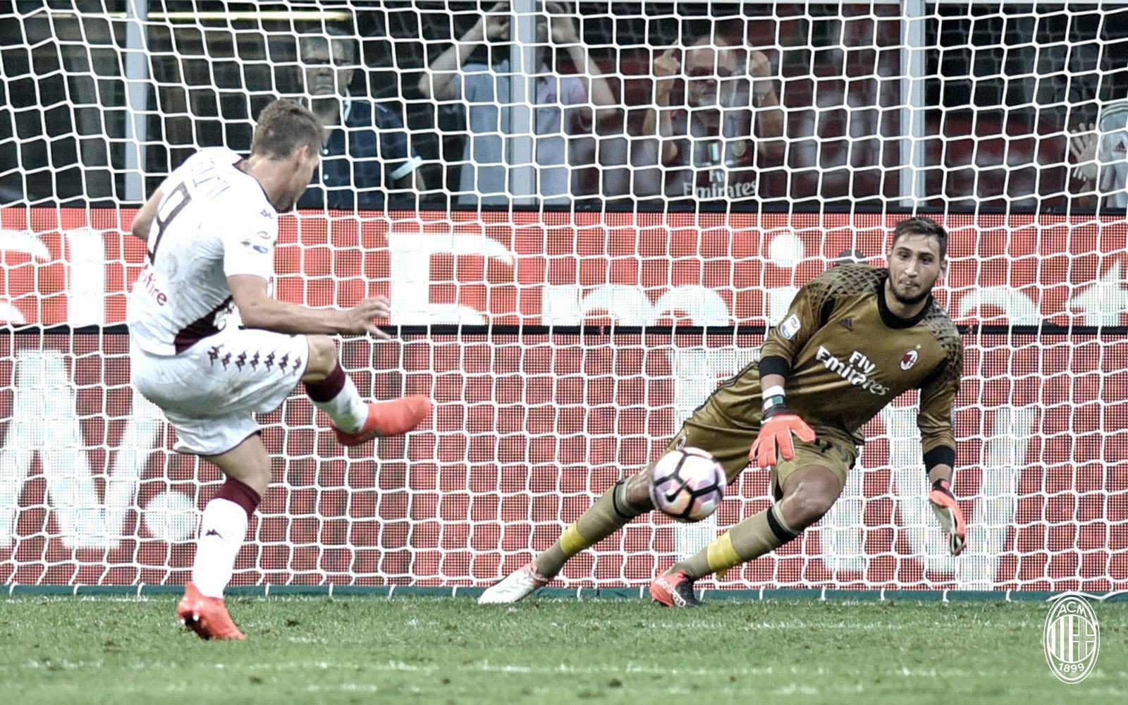 Donnarumma in azione contro il Torino. Fonte foto: A.C. Milan