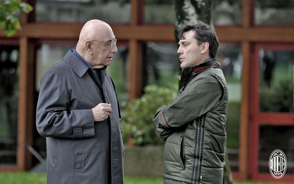 Adriano Galliani parla con Vincenzo Montella a margine di un allenamento a Milanello. Fonte foto: A.C. Milan