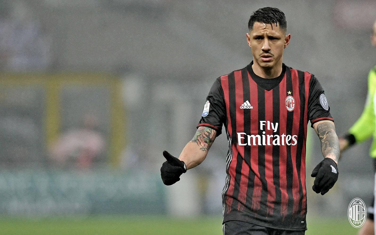 Gianluca Lapadula durante Milan-Napoli. Fonte foto: A.C. Milan