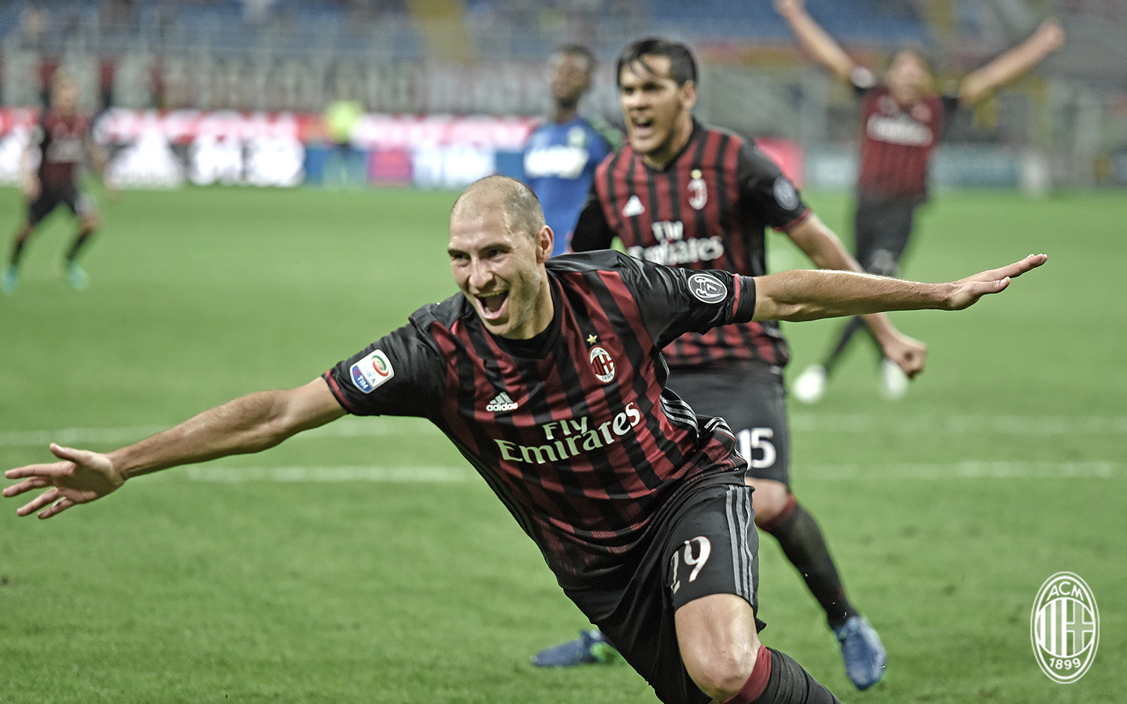 Gabriel Paletta esulta durante Milan-Sassuolo