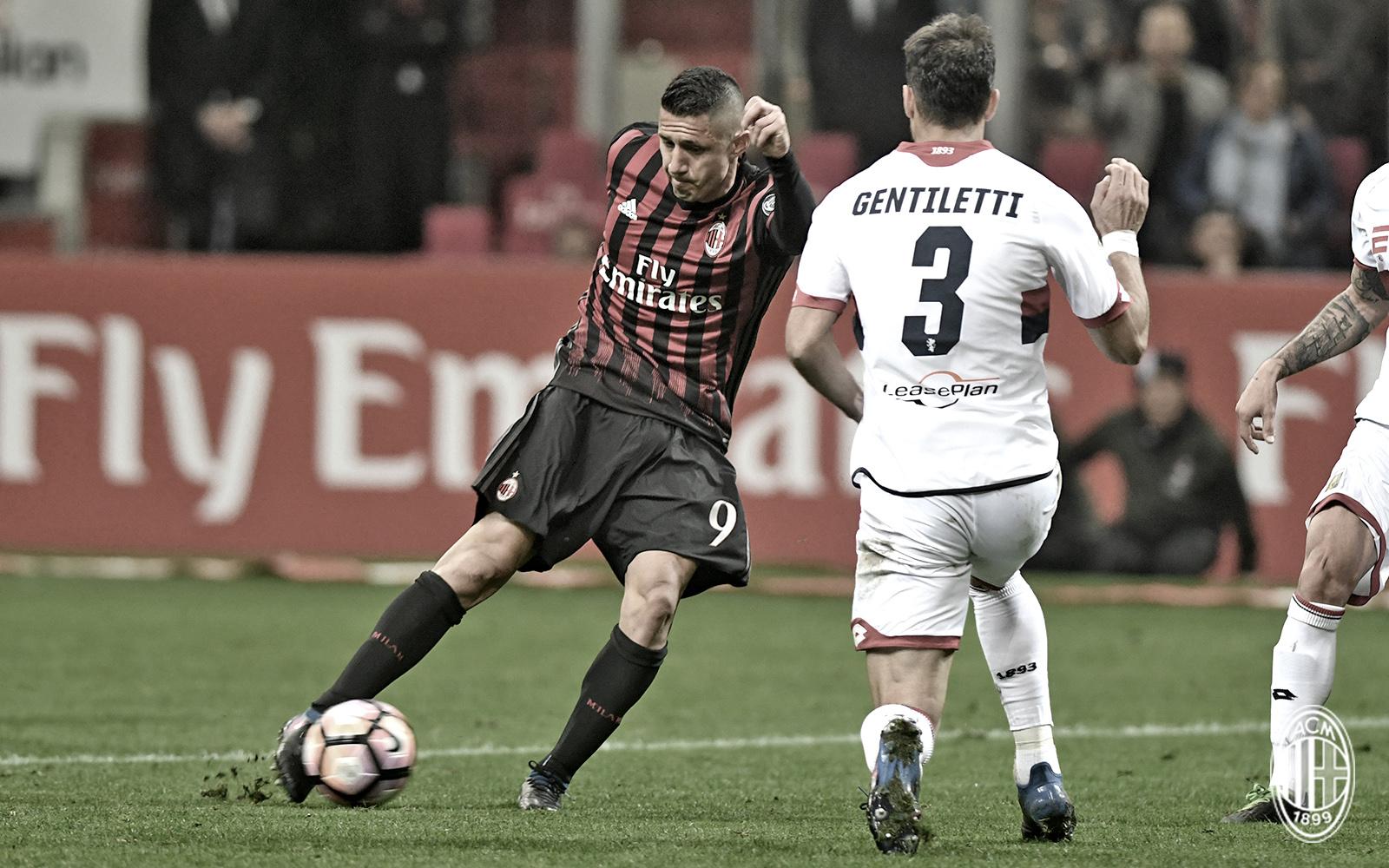 Lapadula durante Milan-Genoa