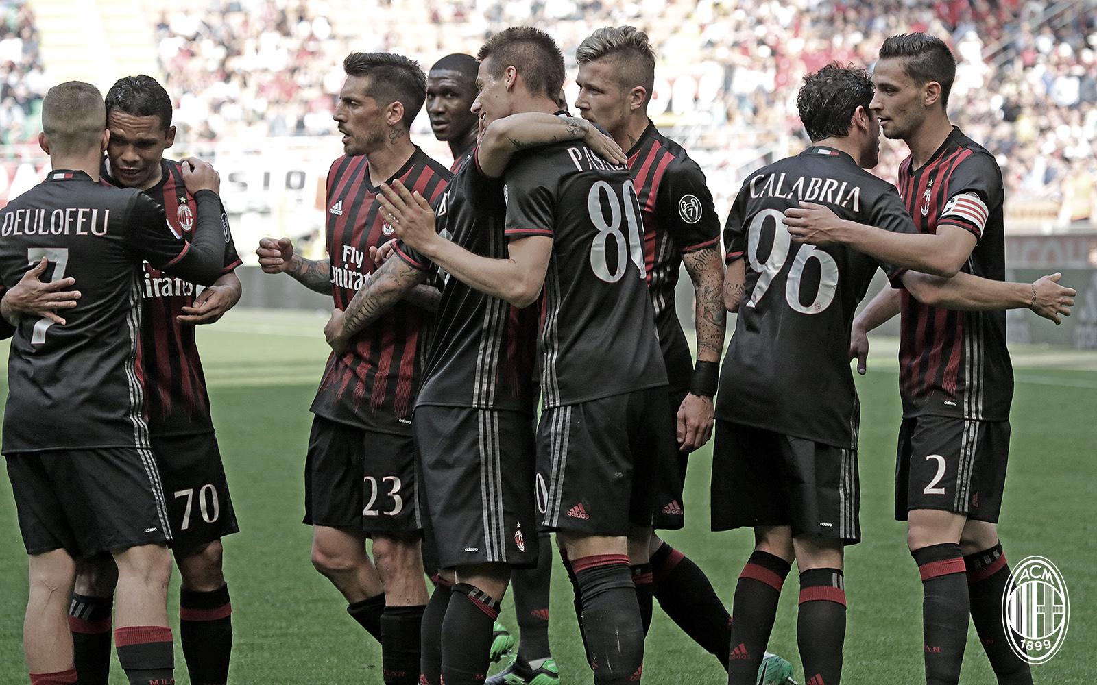L'esultanza dei ragazzi durante Milan-Palermo