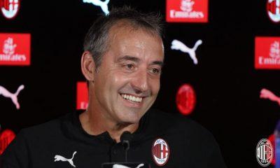 Marco Giampaolo in conferenza stampa. Fonte: acmilan.com