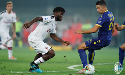 Kessié in azione durante Hellas Verona-Milan. Fonte: acmilan.com